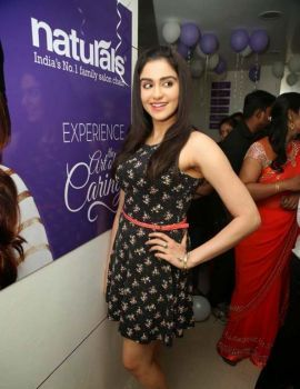 Adah Sharma at Naturals Salon Launch Photos