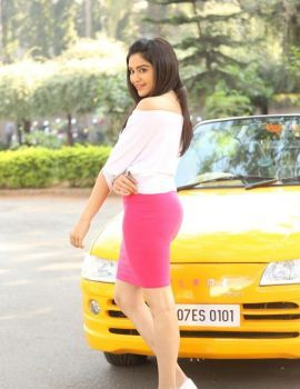 Adah Sharma Glamorous Photos from Garam Movie Shooting Spot