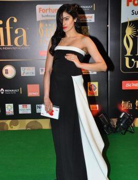 Adah Sharma Photos at IIFA Utsavam Awards 2016 Day 1