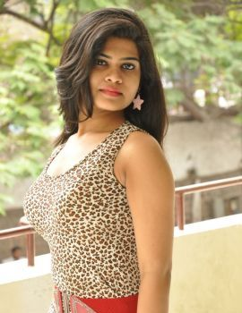 Alekhya Stills at Aa Aiduguru Athade CM Movie Trailer Launch