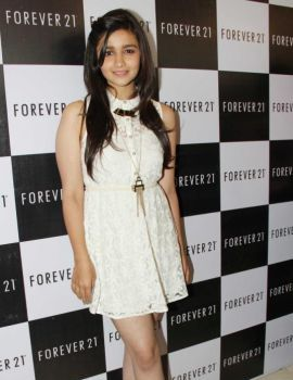 Alia Bhatt at Forever 21 Store Launch