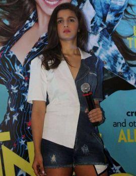Alia Bhatt at Miss Vogue India Magazine Launch