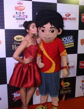 Alia Bhatt at Nickelodeon Kids Choice Awards 2017
