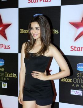 Alia Bhatt at the First Star Box Office India Awards