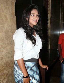 Tamil Actress Amala Paul at Velaiyilla Pattathari Press Meet