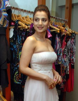 Ameesha Patel at Nishka Lulla's fashion Preview