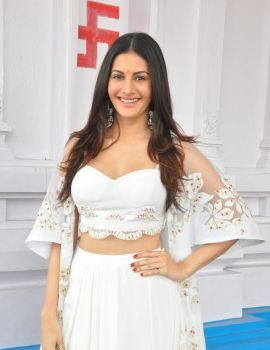 Amyra Dastur at Anandi Indira Production New Movie Launch