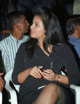 Anjali at Pranam Kosam Audio Launch