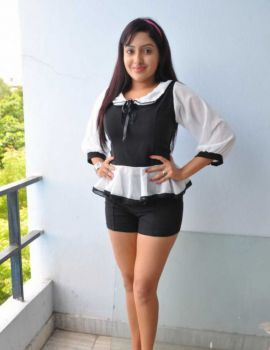 Anjana Deshpande Stills at Nenu Naa Friends Movie Pre-Release Press Meet