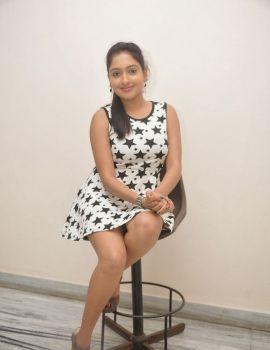 Anjana Deshpande Stills at Nenu Naa Friends Premier Show