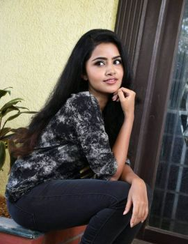 Anupama Parameswaran Stills at Eedu Premam Interview