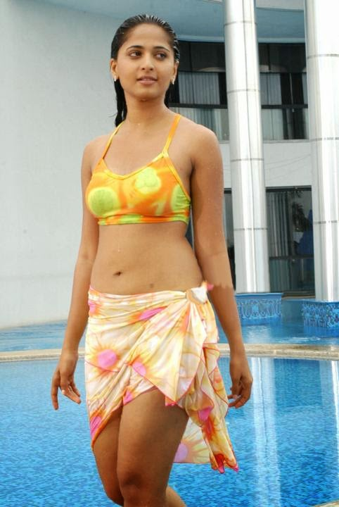 South Indian Actress Anushka in Hot Bikini