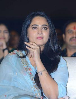 Telugu Actress Anushka Shetty Photos at HIT Movie Pre-Release Event