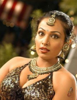 Actress Asha Saini (Flora) Stills From Movie Kanagavel Kakka