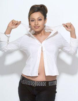 Asha Saini Stunning Photoshoot Stills
