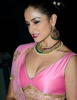 Asmita Sood Photos at Fashion Show