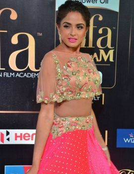 Asmita Sood Photos at IIFA Awards 2017
