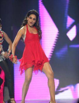 Bipasha Basu Hot Dance Stills from CCL3
