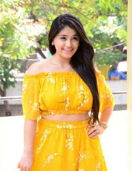 Chandni Bhagwanani in Yellow Dress at Diksoochi Movie Press Meet