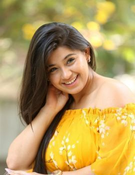 Chandni Bhagwanani in Yellow Dress at Diksoochi Movie Press Meet