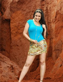 Telugu Actress Charmi Showing Her Thunder Thighs