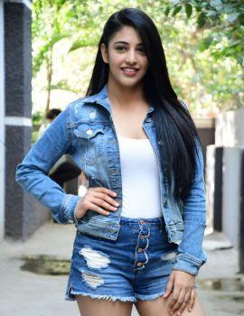 Daksha Nagarkar Stills at Husharu Movie Press Meet