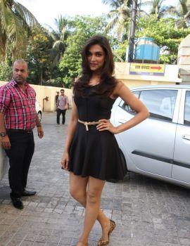 Deepika Padukone at Yeh Jawaani Hai Deewani Trailer Launch