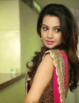 Diksha Panth Photos at Joyalukkas International Jewellery Show