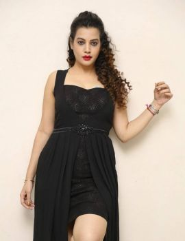 Diksha Panth Photos at Operation 2019 First Look Launch