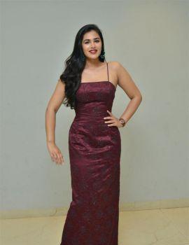 Telugu Actress Divi Prasanna at Hawaa Movie Trailer Launch