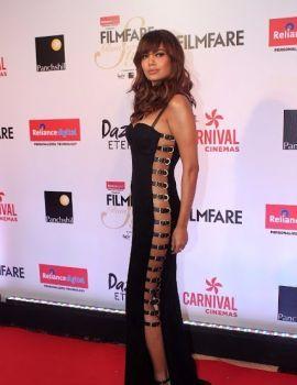 Esha Gupta at Filmfare Glamour and Style Awards 2017