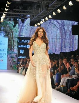 Esha Gupta at Lakme Fashion Week 2015 Day 4