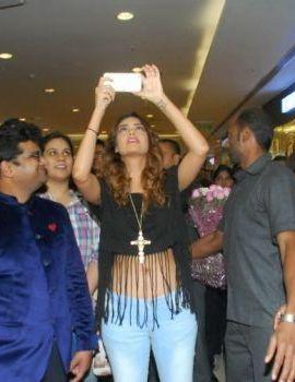 Esha Gupta at The New Splash Store Launch in Mumbai