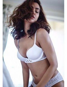 Esha Gupta sizzling hot latest photoshoot