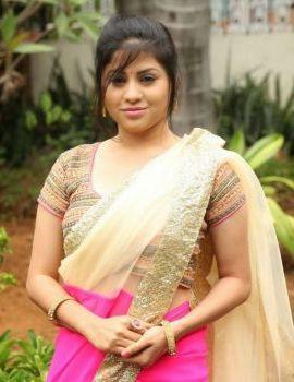 Telugu Heroine Hamida Stills at Silk India Expo
