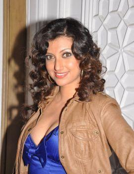 Hamsa Nandini Pics in Dabur Gulabari Miss Rose Glow South 2011 Event
