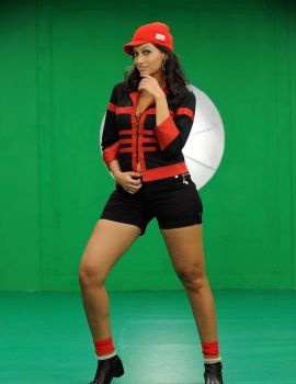 Telugu Actress Hamsa Nandini Hot Thigh Show