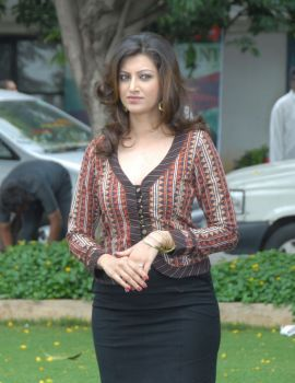 Telugu Actress Hamsa Nandini Stills at Tea Samosa Biscuit Movie Opening