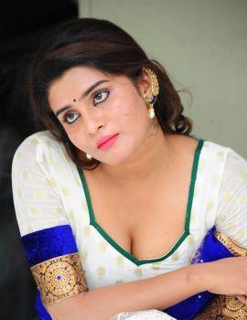 Telugu Actress Harini Navel & Cleavage Show Stills