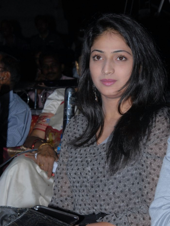Hari Priya at Abbai Class Ammai Mass Audio Launch