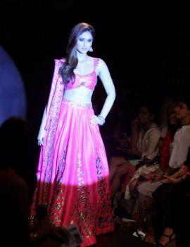 Ileana D'Cruz on Ramp at Lakme Fashion Week