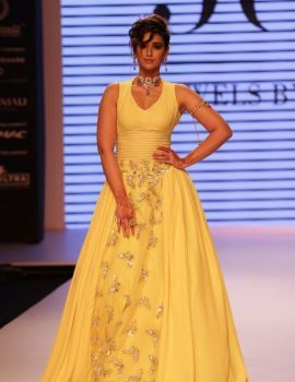 Ileana D'Cruz Ramp Walk Photos at IIJW 2015