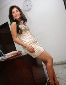 Isha talwar Thigh Show Photoshoot Stills