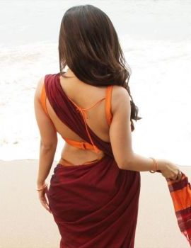 Actress Iswarya Menon Photos in Saree