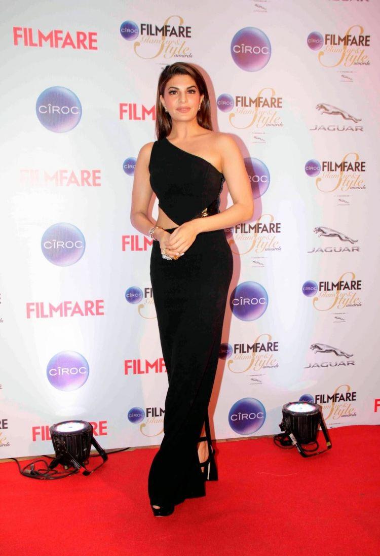 Jacqueline Fernandez in Black Dress at Ciroc Filmfare Glamour Style Awards