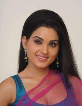 Kavya Singh Hot Cleavage Show Stills from Telugu Movie Sorry Teacher