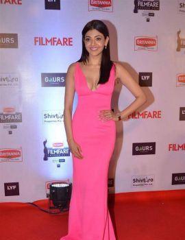 Kajal Aggarwal at Filmfare Awards 2016 Red Carpet Stills