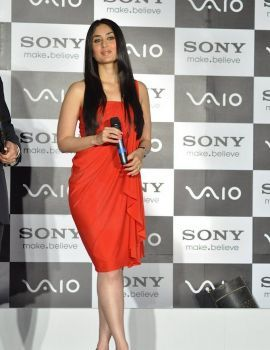 Kareena Kapoor Launches New Range of Sony Vaio Laptops