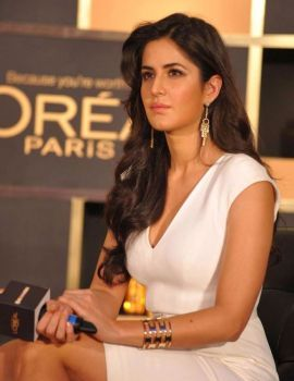 Katrina Kaif Launches Loreal Paris 6 Oil Nourish