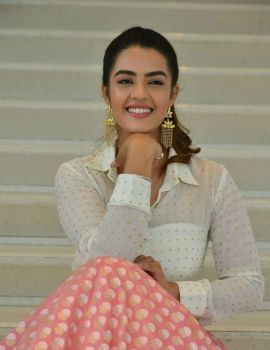 Kavya Thapar Stills from Ee Maya Peremito Movie First Look Teaser Launch
